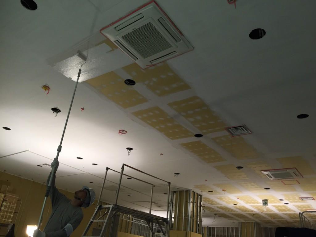 商業施設テナント内部塗装工事