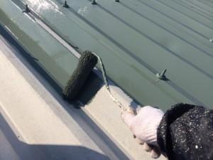折半屋根中塗り
