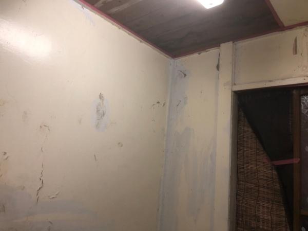 台東区 アパート浴室壁&玄関壁 内部塗装工事