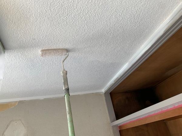 川口市 シャトーレN・A402号室 内部塗装工事の様子